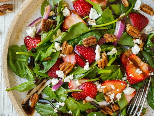 strawberry-spinach-salad-11-500x375